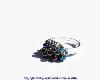 Ring adjustable silver metal and glass beads.  LBC210316B