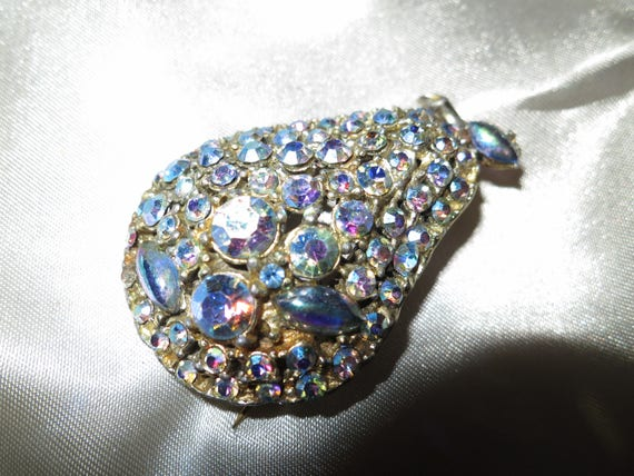 Vintage blue green aurora borealis rhinestone pear brooch