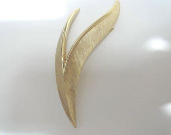 Vintage Crown  Trifari Gold Tone Brooch Pin 3 Inches by 1 1/2 inches
