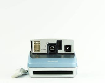 POLAROID One600 Classic Blue Instant Film Camera - *Discount Impossible Project 600 Colour Instant film Pack offer with this Camera*