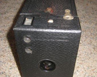 Vintage Eastman Kodak Brownie Box Camera Uses 116 Film