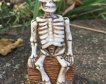 Miniature Sitting Skeleton, Halloween Skeleton, Fairy Garden Skeleton,Dollhouse Decor, Halloween