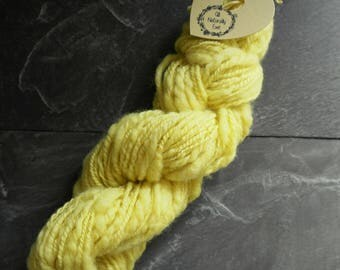Merino slubed yarn naturally dyed.