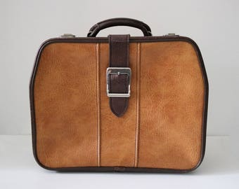 1970s overnight bag vanity case in brown and tan vinyl by Custom