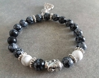 ॐ Bracelet énergétisé, Bien être, en Howlite blanche , obsidienne flocon et ses bouddhas