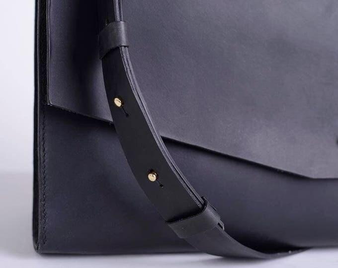 Crossbody bag, purse, womens bag, handmade bag, leather bag, strap bag, clean design, modern bag, simple and functional bag