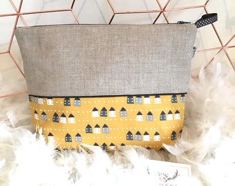"""Personalized toiletry bag in linen, mustard yellow and grey """"My house"""""""