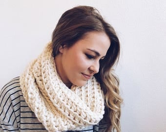 Infinity Cowl, Circle Scarf in CREAM