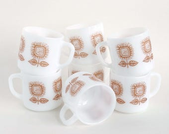 Vintage Federal Milk Glass Mugs Mod Gold Sunflowers, 7 Retro Mod Floral Milk Glass Coffee Mugs / Cups Federal Glass Co. 60's
