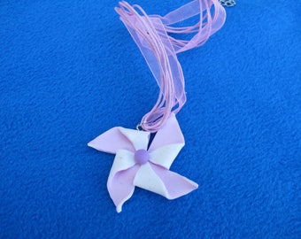 Pink and white pinwheel pendant necklace