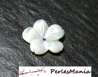 1 gorgeous mother of Pearl flower carved 3D ref 13 jewelry making
