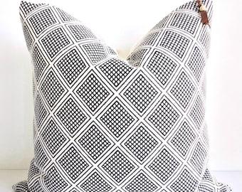 Cream and black woven diamond pillow cover 20x20