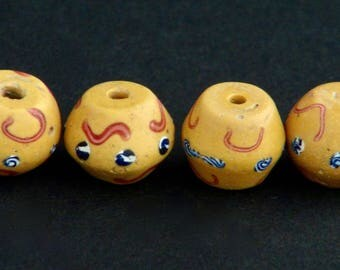 V61- 4 Yellow antique Venetian biconical beads