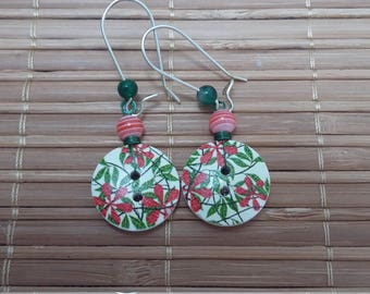 Button dangle earrings beaded