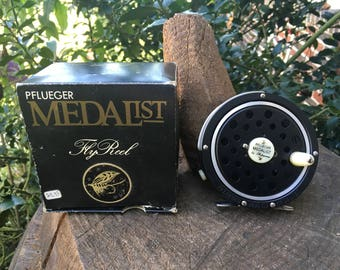 Pflueger Medalist 1495 CJ New in Box Made By Shakespeare