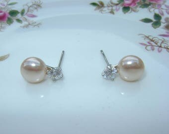 Small Stud Earring Pink Fresh Water Pearl and Crystal