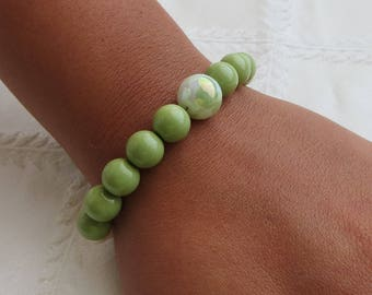 Green and Pearl Beaded Bracelet