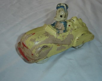 Donald barberton rubber.  Sun rubber 1940's Donald. Old car toy. Vintage. US