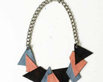 Black geometric necklace/coastal sugar paper