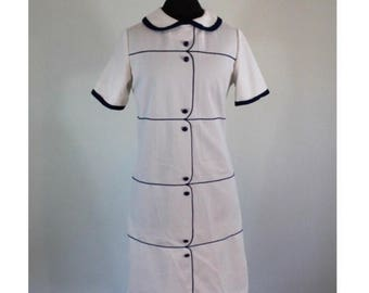 Summer Start Sale Vintage 1960s White and Navy Mod Shift Dress - 60's Peter Pan Collar and Buttons - Tennis Dress style - Size Medium
