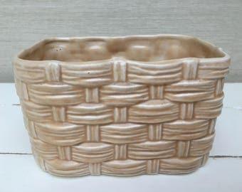 Vintage SYLVAC weave beige planter 2784