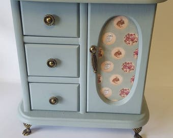 Lovely vintage upcycled jewellery box