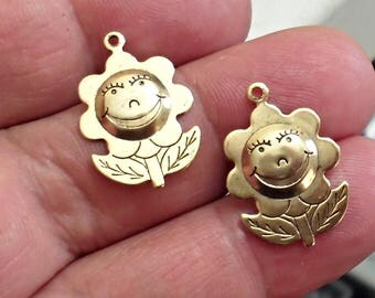 Set of 5 Rare Amazing Details  HAPPY FLOWER   brass stamping  Charm  Jewelry Making /J4