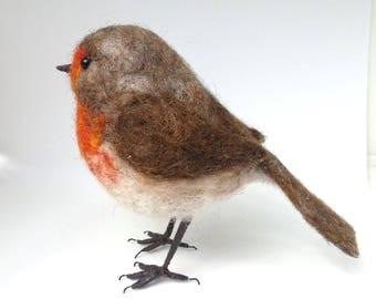 Needle felted robin, little robin redbreast, wool sculpture, garden bird, bird ornament, robin decoration