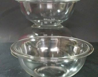 Pyrex clear mixing, nesting bowls.  Set of 3.