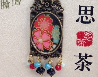 Necklace-long multicolored flowers Japanese paper.