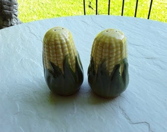 Shawnee Salt and Pepper Shakers~~Pattern: Corn King~~~ Salt and Pepper Shakers~~~~Vintage Shakers~~~ Corn Cob Shakers ~~~