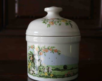 Cute Pottery Jar by the National Trust England  Very good condition  English countryside and bees