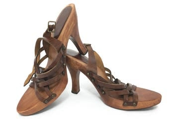 Boho Sandals / Wood Heels / MIA Brown Leather Sandals  / 80s or 90s Vintage Heeled Sandals Women's Size 8 / Sandals Boho Shoes For Women