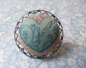 Button heart ring