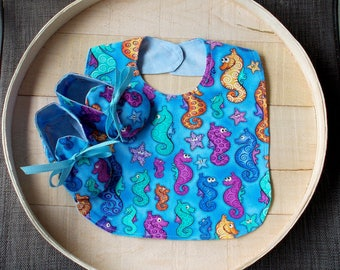 Colorful Sea Horse Print Infant Bib and Crib Shoes Set