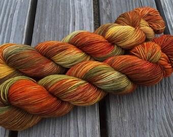 Winegrower's House - MAIA, 100% Merino superwash - 400m / 100 g – hand dyed yarn