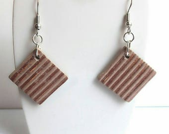 Earrings square reliefs stripes