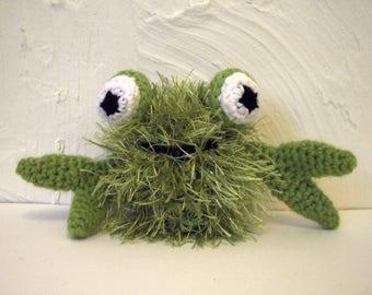 "Small bright green crab hair long ""crabinours hearted"" yarn"