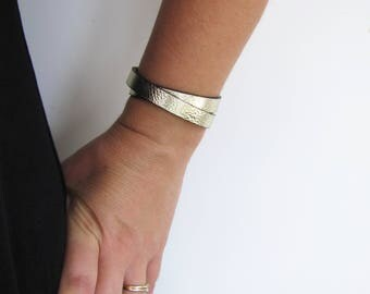 Bracelet leather gold magnetic clasp - Creation of sparkle