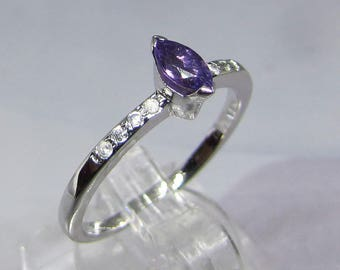 Small minimalist Amethyst silver ring and Zirconium size 56