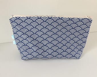 Kit in blue Japanese fabric