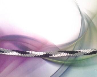 Braided bracelet friendship pattern black grey white chevrons