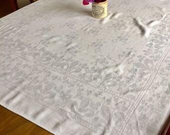 Vintage Fleur de lis damask white tablecloth. 1940's