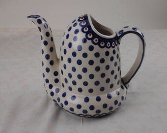 Boleslawiec hand painted tea pot or pitcher, made in Poland. Adorable!