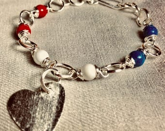 Bracelet with the colors of the United States flag