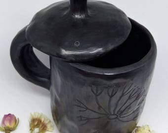 POTTERY MUG | cup with lid | handmade pottery mug | stoneware mug | black coffee mug | black pottery mug | unique coffee mug |  Gift for mum
