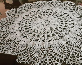 Crochet doily / table cloth