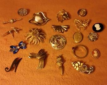 Gold tone brooch lot. Destash. . Wear, craft, repurpose