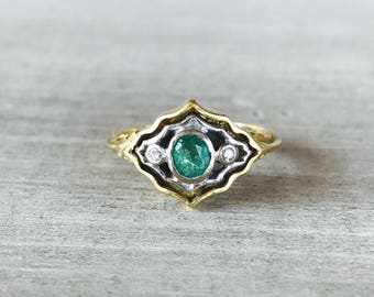 18k Emerald and diamond vintage ring