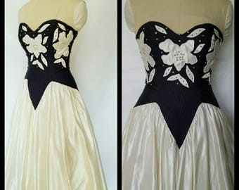 RARE Full Length Gorgeous Vintage Black and White Lapel Satin Rhinestone Gown Size 7/8